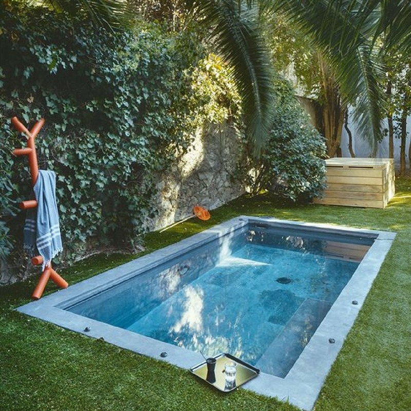 Tiny pools for every backyard renovate real estate for Tiny pool
